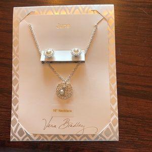 🆕NWT Vera Bradley June Earrings & Necklace Set🆕
